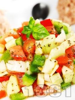 Тунизийска салата с краставици и риба тон - снимка на рецептата